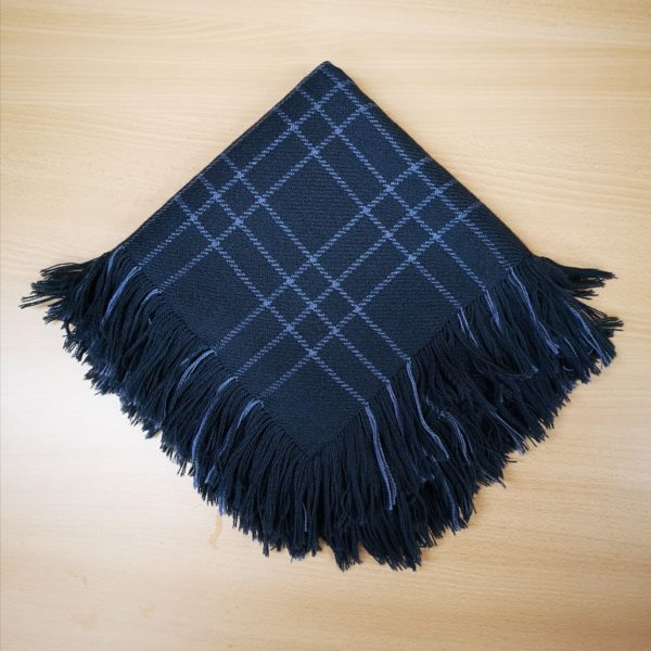 mørkgrått sjal